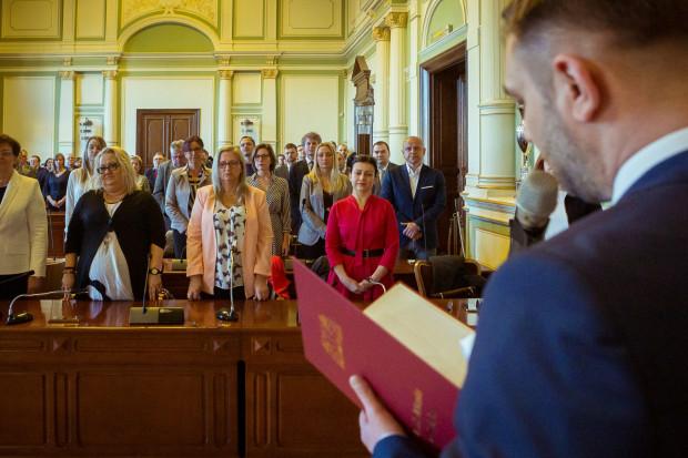 Radni dzielnic wybrani na obecną kadencję składali ślubowanie w Radzie Miasta w 2019 r. W tym roku Rada Miasta ma zdecydować o podwyżkach dla części z nich.
