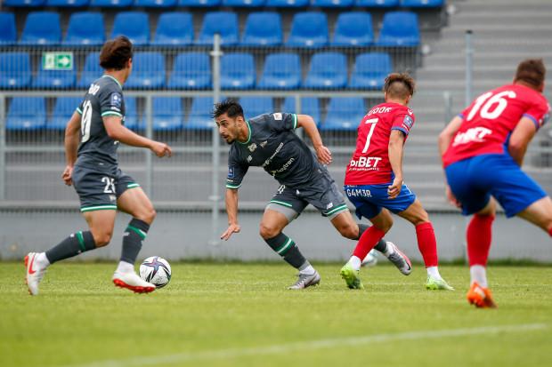 Ilkay Durmus (na zdjęciu drugi z lewej) pierwszy występ w barwach Lechii Gdańsk uświetnił golem i asystą.