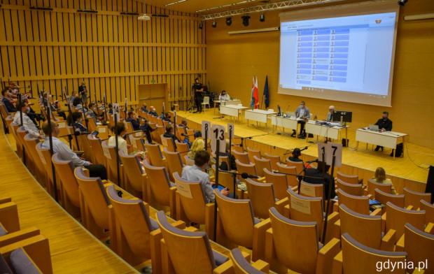 Gdyńska sesja odbyła się w formule stacjonarnej - pierwszy raz po pandemicznej przerwie.