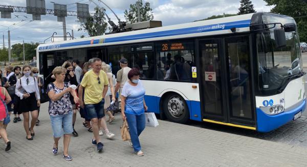 Zniesienie obostrzeń w komunikacji pozwalające na pełne zapełnienie pojazdów skłoniło organizatorów komunikacji w Trójmieście do przywrócenia przycisku.