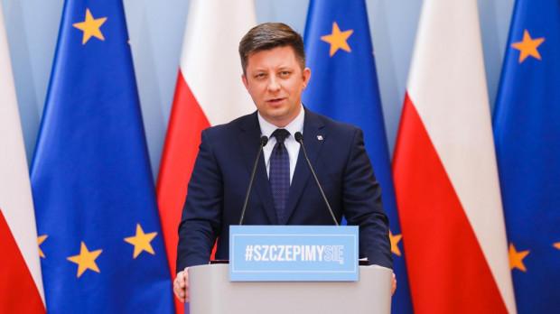 - Widzimy wyraźnie zmniejszającą się liczbę osób, które rejestrują się na szczepienia - powiedział szef KPRM Michał Dworczyk.