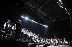 Chór najlepiej wypadł w wyciszonych kompozycjach, od których Bregović zaczął koncert.