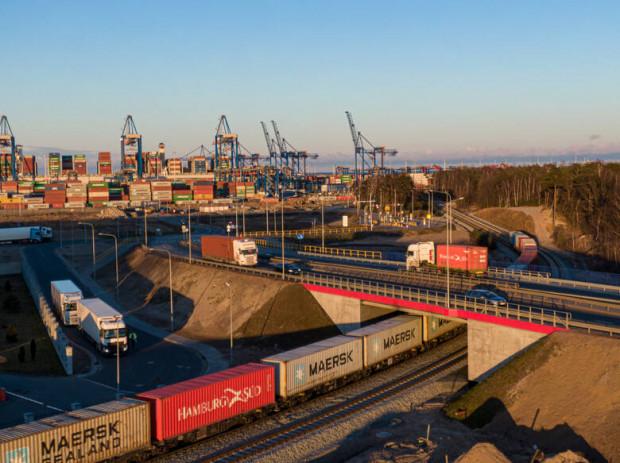 Port Gdańsk rozbudował sieć drogową i kolejową. Wartość inwestycji to 167 mln zł.