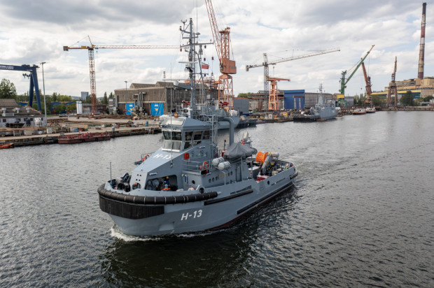 Holowniki typu B860 przeznaczone są do wykonywania zadań wsparcia logistycznego na morzu i w portach.