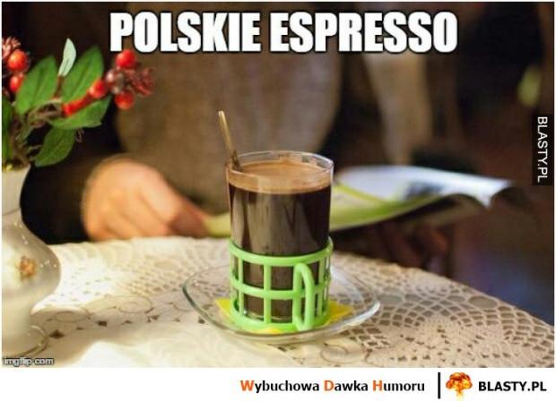 Bariści zgodnie przyznają, że Polacy wolą swoje e(k)spresso od tego włoskiego.