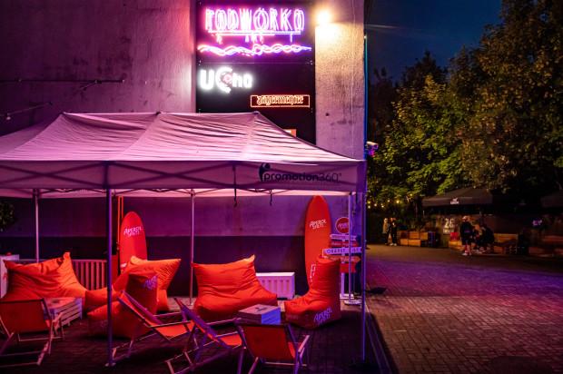 Wraz z początkiem lipca ruszyła nowa przestrzeń rozrywkowa w Gdyni - Podwórko.art przy klubie Ucho.