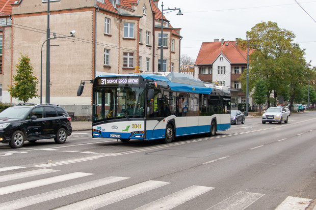 W Sopocie i Gdyni o zakup biletu szczególnie trudno ze względu na brak biletomatów.