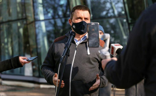 Dr hab. Piotr Rutkowski, kierownik Pracowni Geobotaniki i Ochrony Przyrody z Uniwersytetu Gdańskiego, już w marcu mówił, że palma jest w kiepskiej formie, ale jest szansa na jej uratowanie.