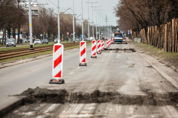 Jeszcze tej jesieni kierowcy pojadą nowym odcinkiem al. Hallera między Grudziądzką a al. Płażyńskiego.