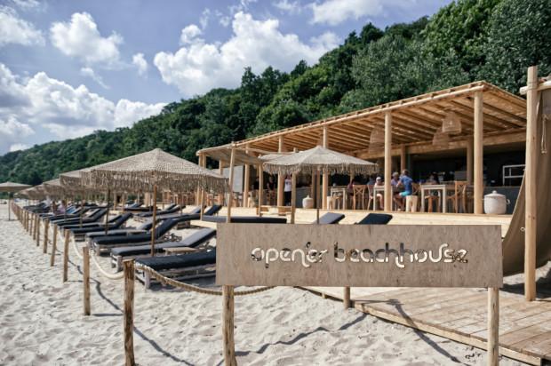 Przestrzeń plażowa jest jedną z kilku imprezowych stref należących do Open'er Parku.