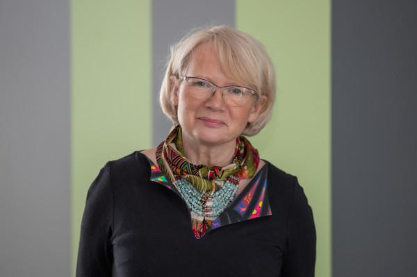 - Szczerze mówiąc, przez 40 lat pracując z wirusami, jeszcze nie spotkałam się z sytuacją, w której jakiekolwiek szczepionki przyniosłyby szkodę, one ratują nasze zdrowie i życie - podkreśla prof. Krystyna Bieńkowska-Szewczyk.