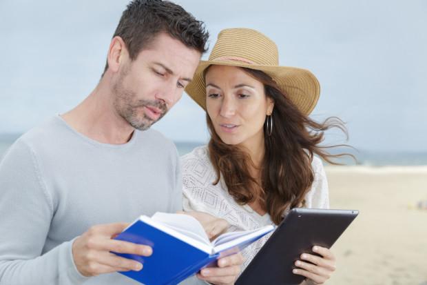 W tym odcinku Zaczytanego Trójmiasta polecamy lektury lżejsze i przydatne w trakcie wakacji - różnego rodzaju poradniki i przewodniki.