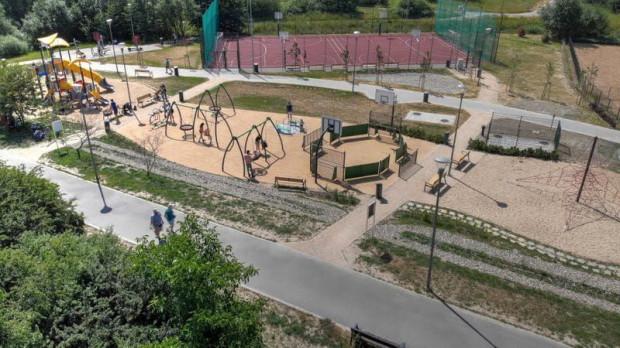 Przy nowym placu zabaw w pobliżu zbiornika Augustowska ma się pojawić toaleta.