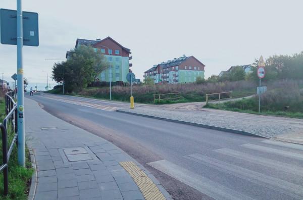 Wyjazd na ulicę Niepołomicką.