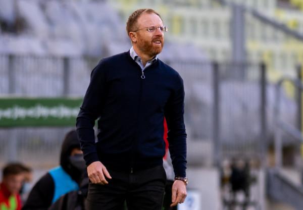 Piotr Stokowiec wypatruje trzeciego letniego transferu Lechii Gdańsk. Szkoleniowiec liczy, że nowy piłkarz dołączy do drużyny jeszcze przed piątkową prezentacją.