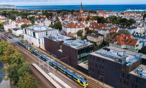 Obecnie SKM ma tylko dwa nowoczesne pociągi. Są to Impulsy, które połączone w jeden skład mogą przewieźć ok. 1 tys. pasażerów.