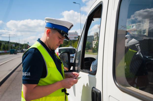 Policja skontrolowała prawie 200 pojazdów.