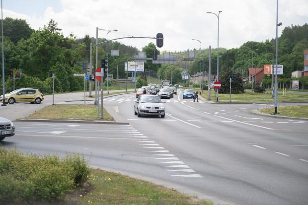 Dodatkowy lewoskręt w ul. Potokową ze Słowackiego pomoże odkorkować skrzyżowanie widoczne na zdjęciu.