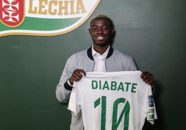 Bassekou Diabate ma na koncie 6 występów w reprezentacji Mali. Napastnik został wypożyczony do Lechii Gdańsk na rok z możliwością wykupu.