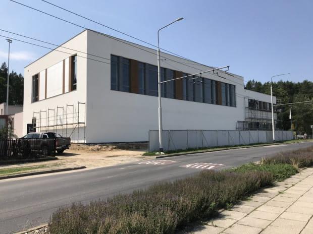 Obecnie nowy budynek jest w stanie surowym zamkniętym. Do końca roku wszystko ma być gotowe.
