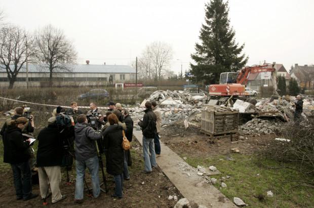 Początek budowy stadionu w Letnicy.