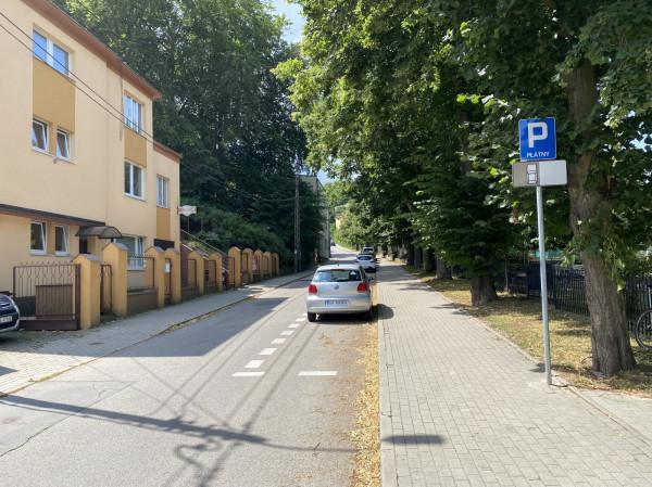 Mieszkańcy twierdzą, że będzie problem z przemieszczaniem się na ul. Podlaskiej, gdy zostanie otwarta we wrześniu budowana szkoła.
