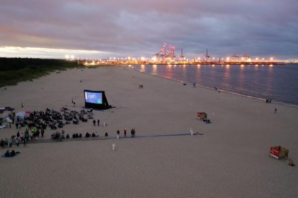 """Pokazy Kina Letniego w Stogach zainaugurował 16 lipca pokaz filmu """"Aquaman"""" w reżyserii Jamesa Wana."""
