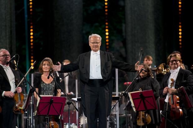 Podczas koncertów w Operze Leśnej Polska Filharmonia Kameralna Sopot będzie rozbudowana do olbrzymich rozmiarów. Obsadę uzupełnią znakomici artyści z całej Polski.
