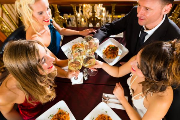 Zdobycie stolika w dobrej restauracji często graniczy z cudem. Dlaczego zatem ci szczęściarze, którym się to udało, czasem decydują się opuścić wymarzoną miejscówkę jeszcze przed złożeniem zamówienia? Postanowiliśmy to sprawdzić.