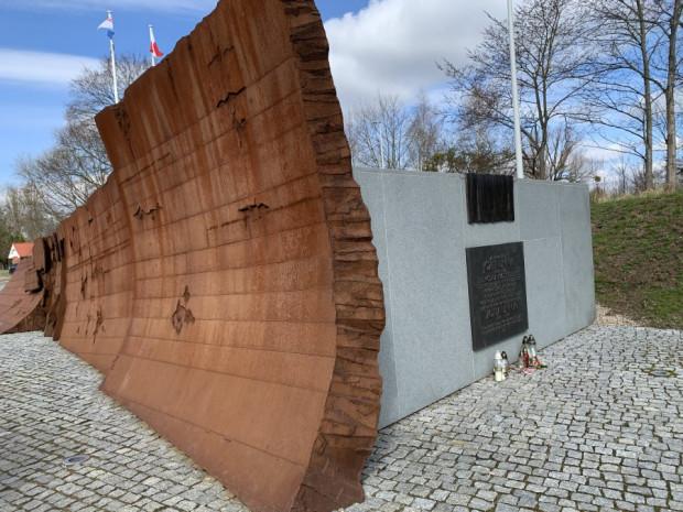 Kwaterę Pamięci można zobaczyć, odwiedzając cmentarz Marynarki Wojennej.