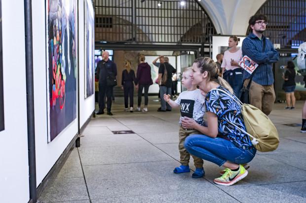 Prace dyplomantów Akademii Sztuk Pięknych są wystawiane w Wielkiej Zbrojowni.