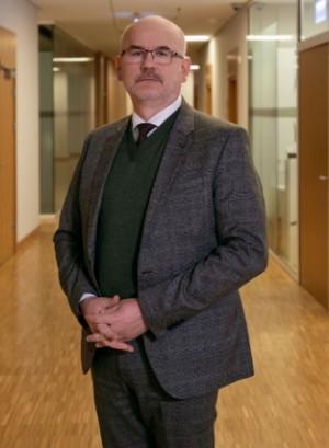 Prof. Grzegorz Berendt obecnie jest zastępcą dyrektora Muzeum II WŚ ds. naukowych.