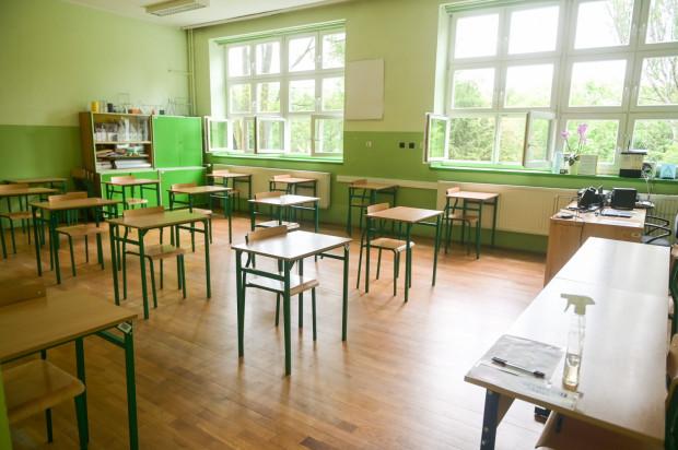 O zakwalifikowaniu kandydata do wybranej szkoły decydują przeliczone na punkty wyniki z egzaminu ósmoklasisty i punkty za oceny na świadectwie szkolnym i za inne osiągnięcia ucznia.