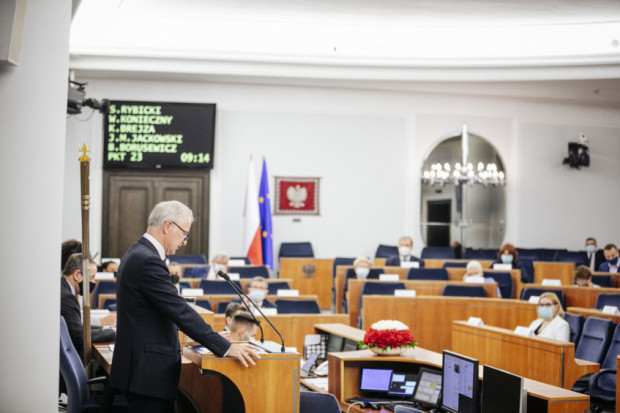Kandydaturę Karola Nawrockiego na prezesa IPN krytykował na piątkowym posiedzeniu Senatu m.in. Sławomir Rybicki z KO.