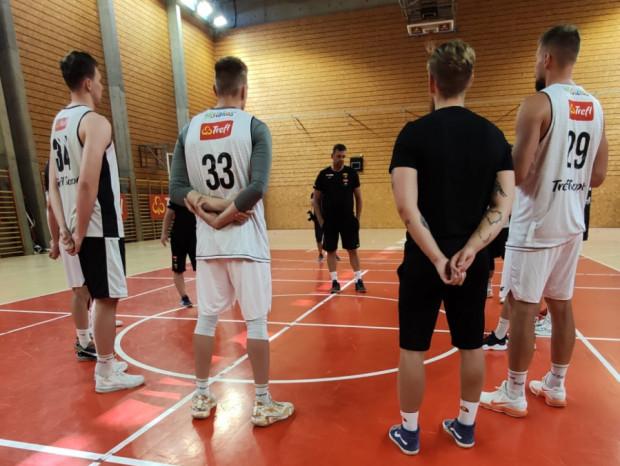 Trefl Sopot jest po pierwszym treningu. Pojawiło się na nim 9 koszykarzy.