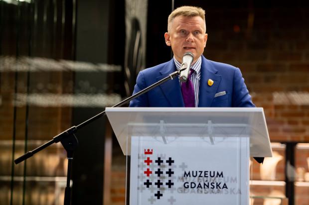 Zdjęcia z przedpremierowego otwarcia Muzeum Bursztynu w nowej siedzibie - Wielkim Młynie. Na zdjęciu dyrektor Muzeum Gdańska Waldemar Ossowski.