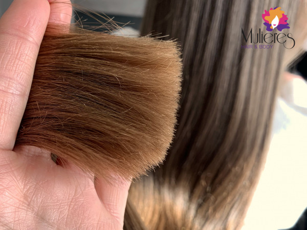 Obcinając włosy na gorąco - od 100 do 140 stopni Celsjusza - uszczelniamy ich końcówki i zatrzymujemy idealne nawilżenie oraz substancje odżywcze. Metoda ThermoCut polecana jest nie tylko do długich włosów.