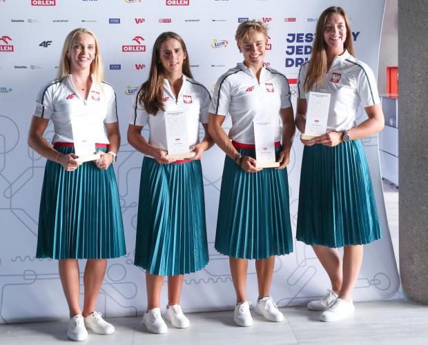 Czwórka podwójna kobiet. Od lewej: Agnieszka Kobus-Zawojska, Maria Sajdak, Katarzyna Zillman i Marta Wieliczko.