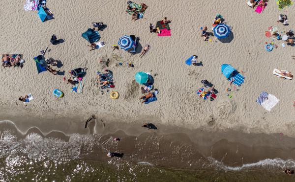 Sezon na plażowanie w Trójmieście w pełni.