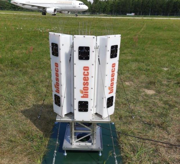 System kamer do detekcji i lokalizacji minimalizuje ryzyko kolizji ptaków z samolotami i znacznie usprawnia obsługę operacji lotniczych.