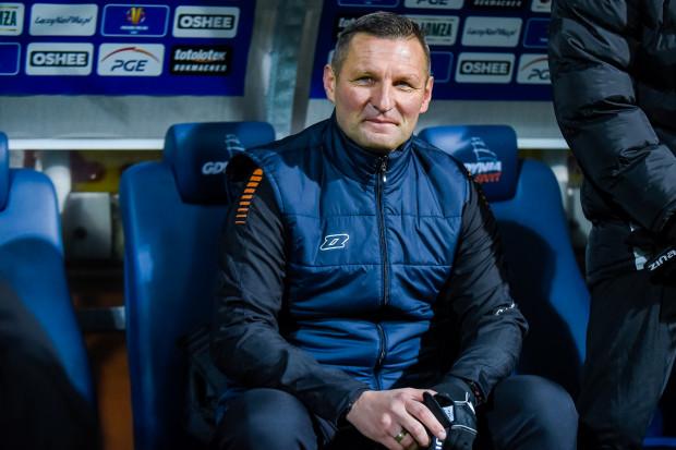Grzegorz Niciński zamierza poprowadzić Bałtyk Gdynia do czołowych lokat w III lidze. Części kibiców nie pasuje to, że szkoleniowcem została postać tak zasłużona dla lokalnego rywala, Arki Gdynia.