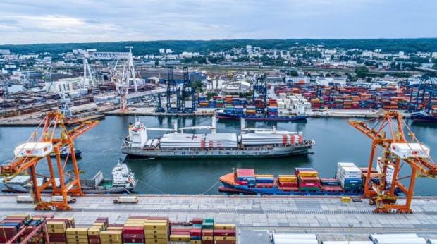Port Gdynia chce być zapleczem przemysłowo-usługowym na lądzie dla inwestycji związanych z budową i eksploatacją farm wiatrowych.