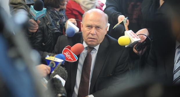 Ujawnione przez media nagrania i bezczelne wystąpienie przed sejmową komisją dowodzą, że w Polsce nadal żywy jest literacki typ Nikodema Dyzmy. Dziś uosabia go Grzegorz Lato.