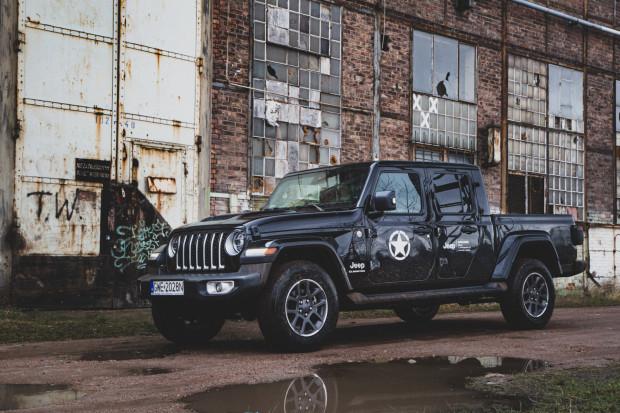 Pisma wypowiadające umowy otrzymali m.in. dealerzy Jeepa.