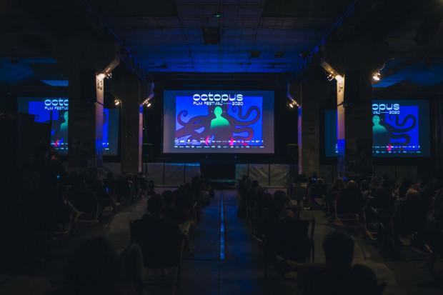 Czwarta edycja Octopus Film Festival to 46 filmów na 59 seansach, 10 polskich premier i 11 lokacji (w tym jedna ukryta).