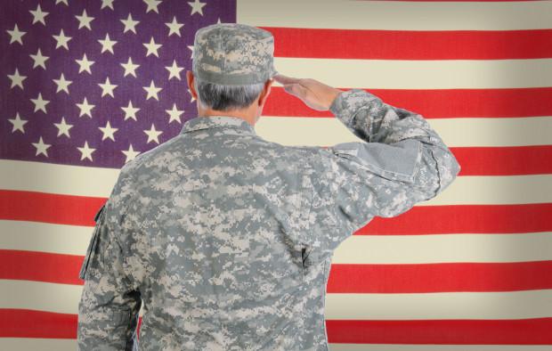 Kobieta z Sopotu uwierzyła mężczyźnie, który podawał się za amerykańskiego żołnierza, by wyłudzić od niej pieniądze.