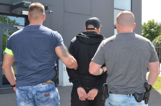 37-latka zatrzymano kilka godzin po włamaniu, był kompletnie pijany.
