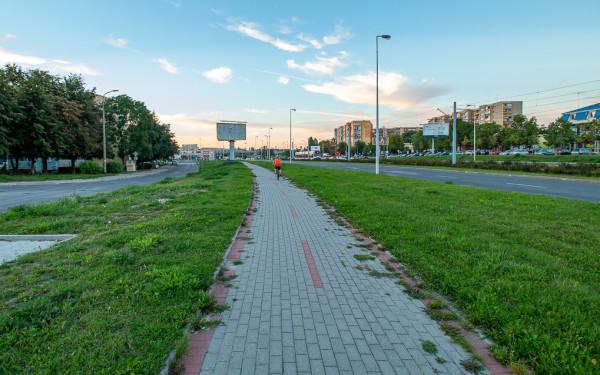 Istniejąca droga rowerowa wzdłuż al. Sikorskiego na Chełmie.
