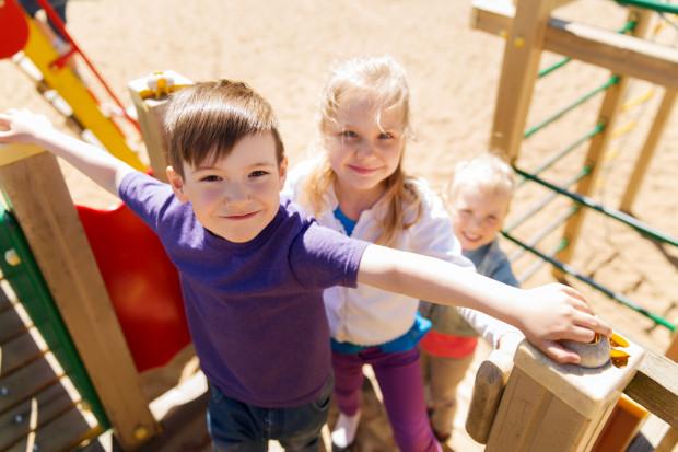 Wielu ludzi unika dzieci jak ognia. Nawet nie próbują się do nich przekonać, choćby miały najśliczniejsze buźki i sprawiały wrażenie najgrzeczniejszych pod słońcem.