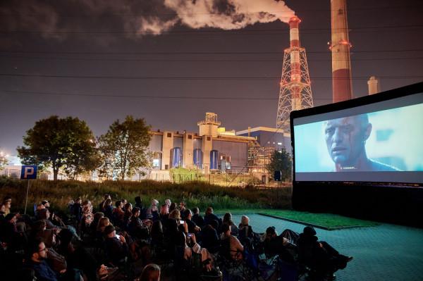 """Plenerowy pokaz """"Łowcy androidów"""" przy gdańskiej elektrociepłowni z pewnością był jednym z najciekawszych punktów programu tegorocznego Octopusa."""